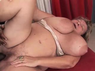 Fat mature slut rides on a BBC