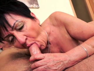 Chubby euro granny pussylicked and slammed