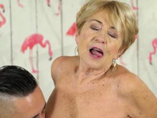 Gray pussy granny fucked