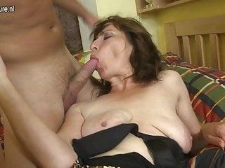 Hairy mom fucking her son's best friend
