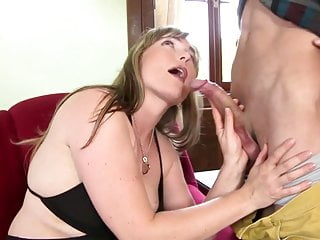 Mature mom takes young boy's cock at lunch