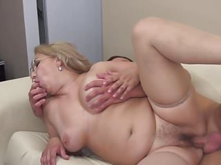 Mature amateur mom suck and fuck young cock