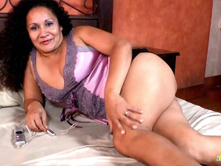LatinChili Mature Sharon Solo Toys Masturbation