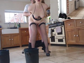 UK Exhibitionist Housewife Teasing then Playing with the lucky Unsuspecting Window Cleaner Self Shot Dare