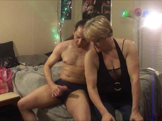 Cfnm jackoff with 63 year woman family friend