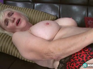 LOLA CUMS AND GETS IT...INSIDE! - 60PlusMilfs