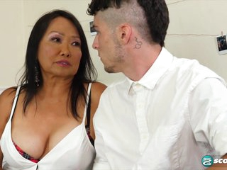 70-year-old Mandy schools a young student - 60PlusMilfs