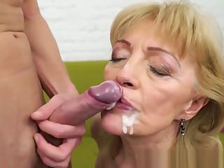 Granny Gets Cunt Fingered