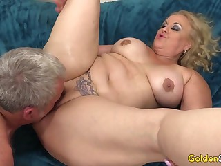 Cock Crazed Granny Blows a Prick Before Engulfing It with Her Greedy Cunt
