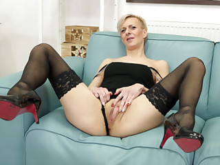 Lady Belinda Solo on the Couch - SexLikeReal