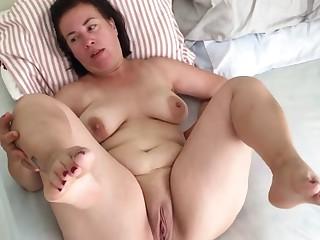 Mature pregnant mom