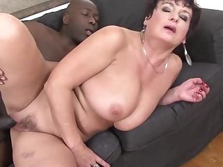 02 jessica hot GRANNY LOVES BLACK anal