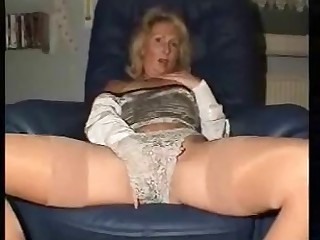 Sexy Granny Shows Off And Fingers Her Agreeable Pink Love Tunnel
