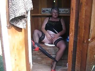 Granny DDew #1 Outdoor