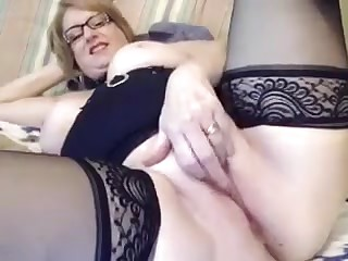 Sexy Granny Masturbating On Camera (hot!)