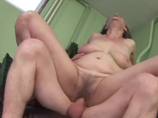 Hot Silver Granny With Saggy Tits Get Fuck
