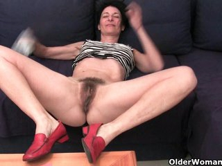 French gilf shows her naughty side